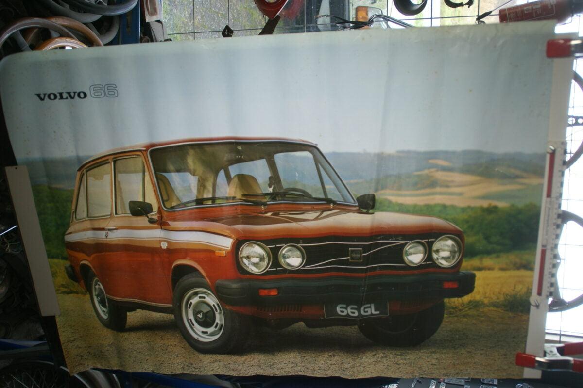 DSC02225 Volvo 66 rood poster 3292-77