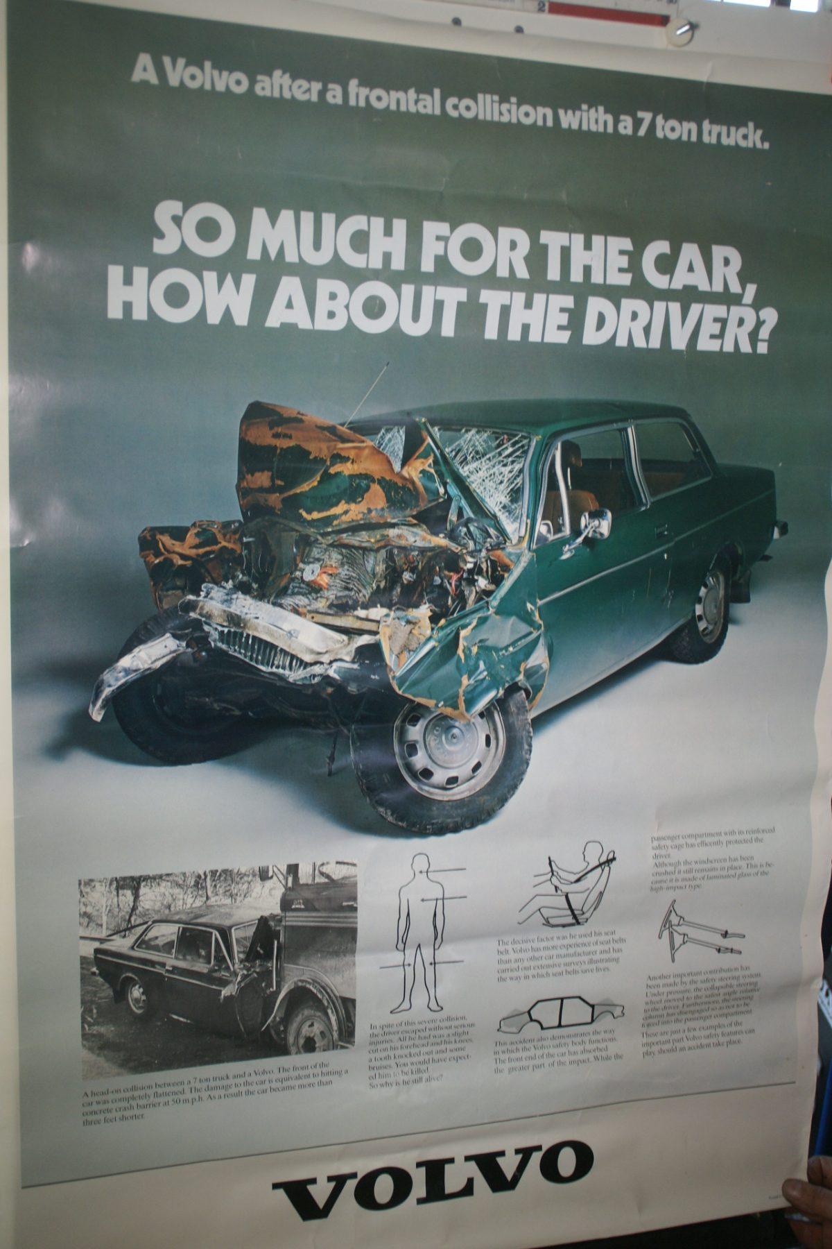 DSC02239 Volvo 144 groen schade poster 1972
