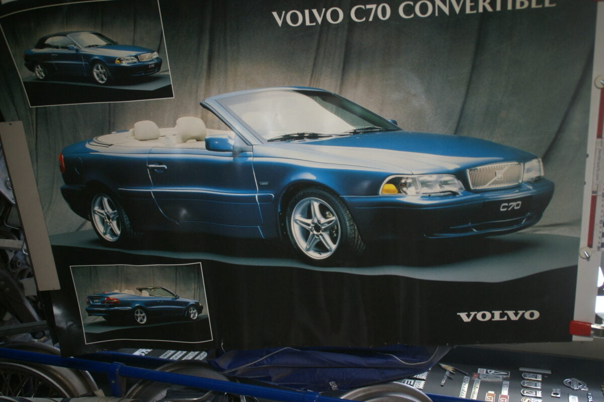 DSC02244 Volvo C70 softtop blauw poster
