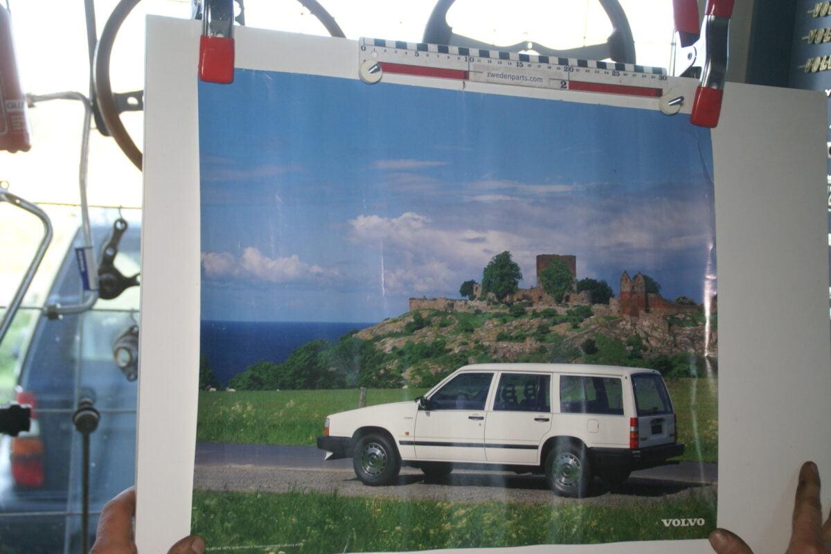 DSC02391 1986 Volvo 740 combi wit poster MSPV 1911