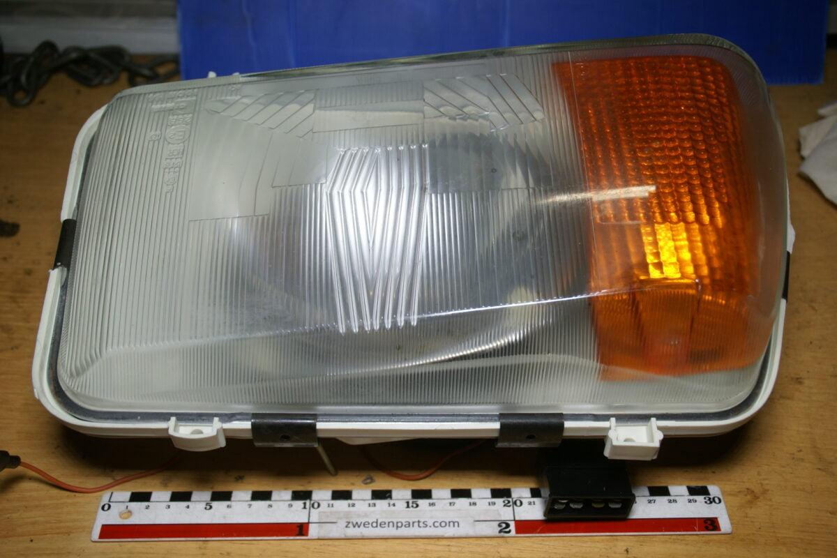 DSC02546 koplamp Volvo 3279676 NOS