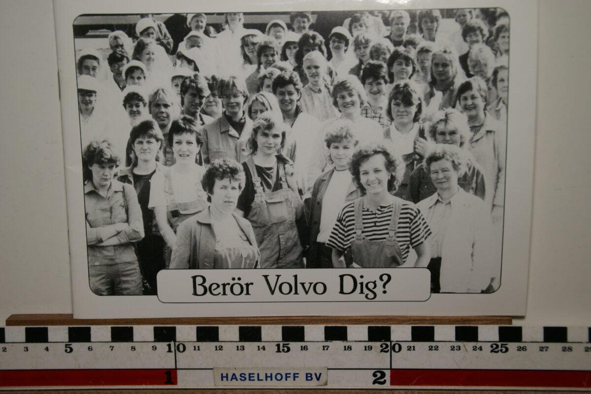 DSC02477 1993 boekje Met Volvo houdt Volvo je bezig