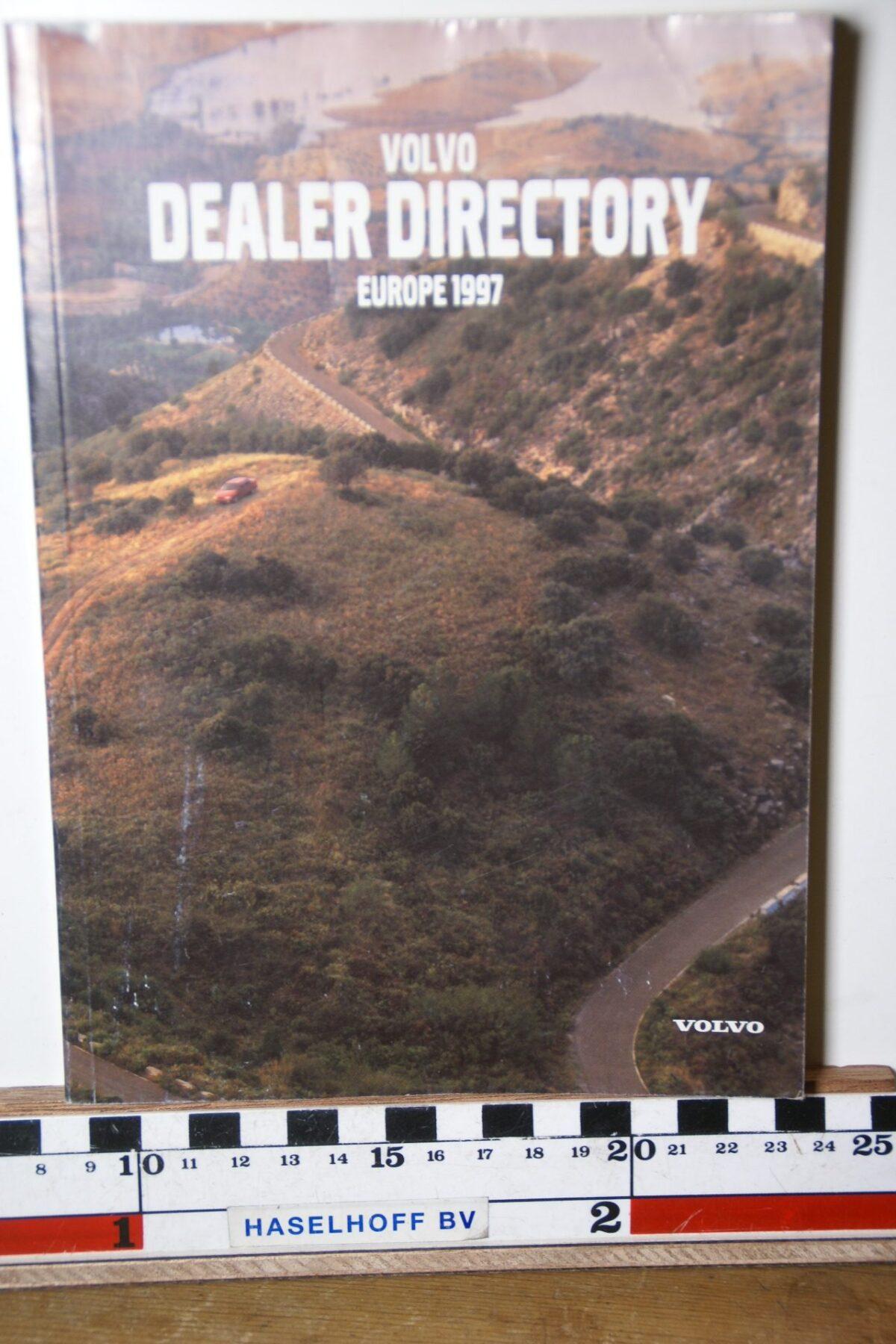 DSC02487 1997 boekje Volvo dealers in Europa MSPV 527-8100