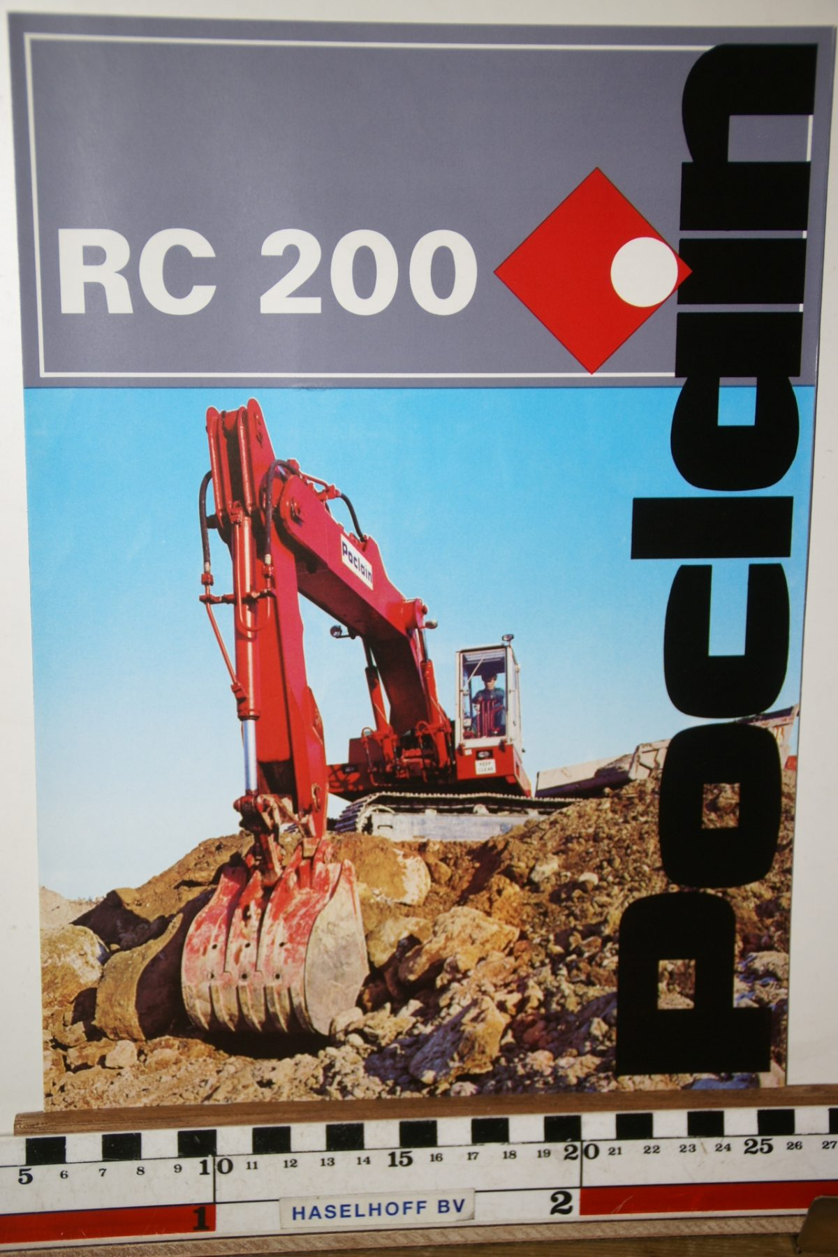 DSC02590 1973 brochure Poclain RC200 204.7