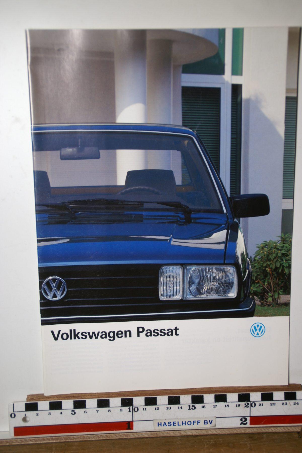 DSC02608 ca 1989 brochure Volkswagen Passat 620.2290.25.33