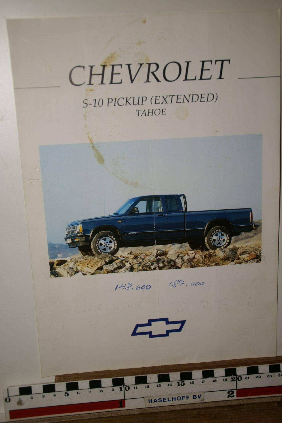 DSC02628 ca 1990 brochure Chevrolet Tahoe S-10 pickup 163774