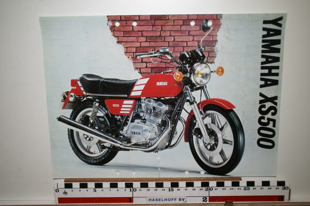 DSC02642 1977 brochure Yamaha XS500 3MC-0107014