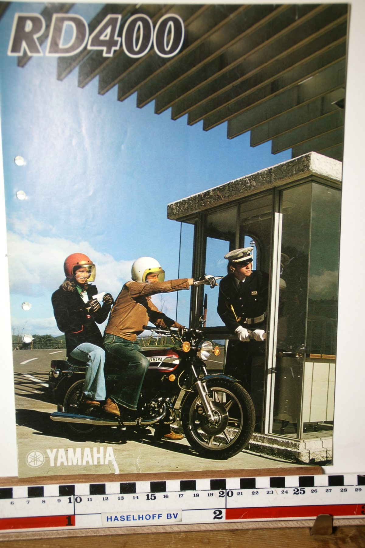 DSC02652 1977 brochure Yamaha RD400 032040