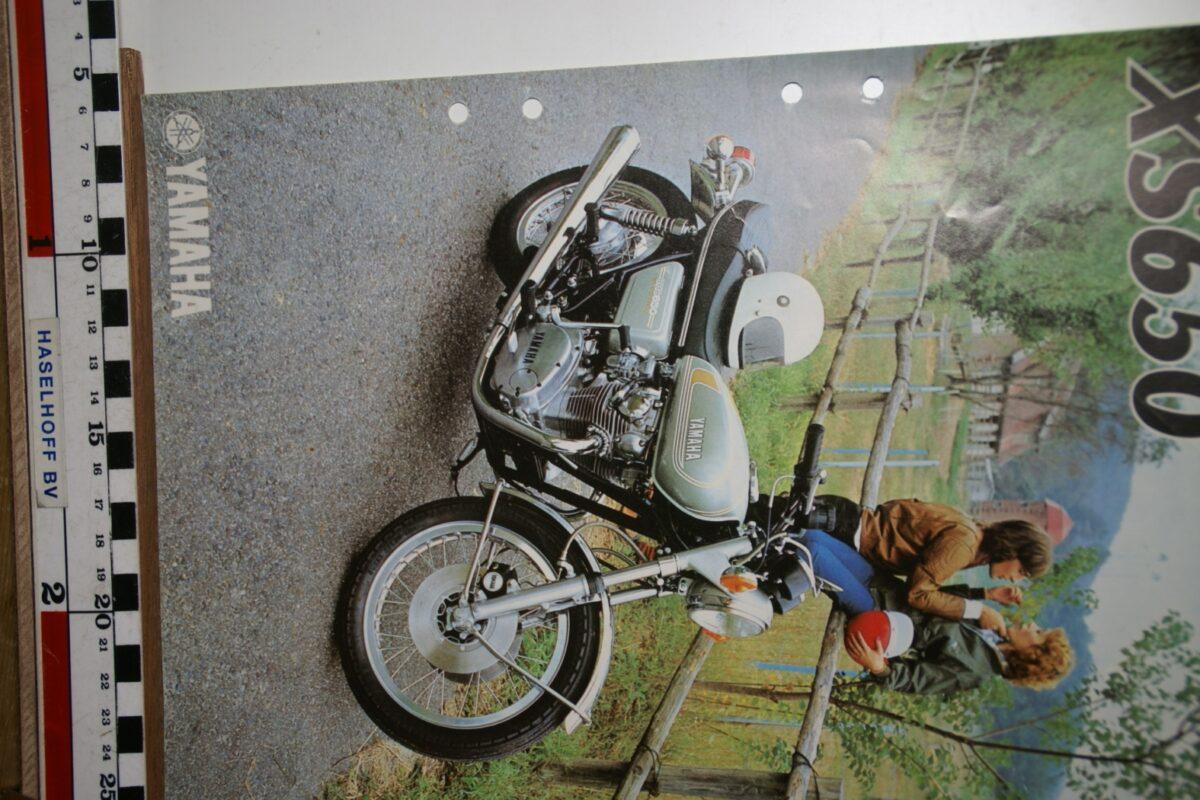 DSC02660 1977 brochure Yamaha XS650 032048