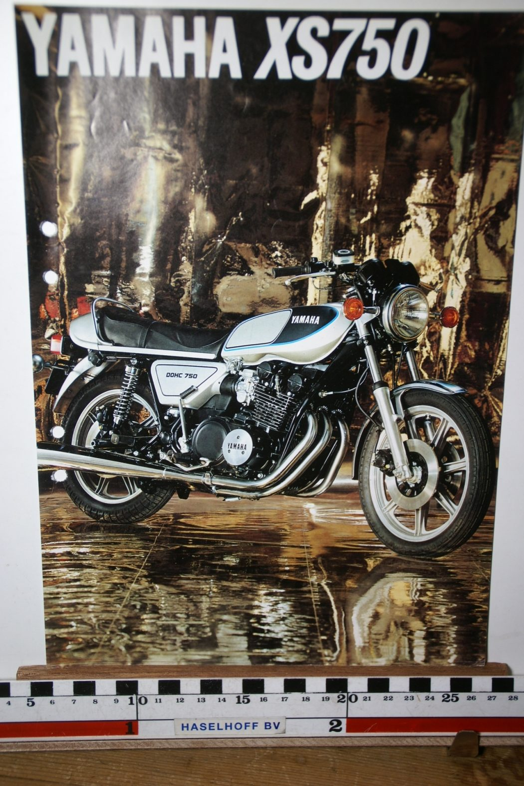 DSC02663 1977 brochure Yamaha XS750 3MC-0107016