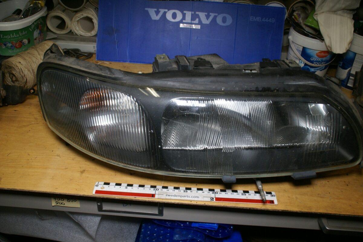 DSC02764 Volvo 60 70 koplamp met haogeen rechts 8662922