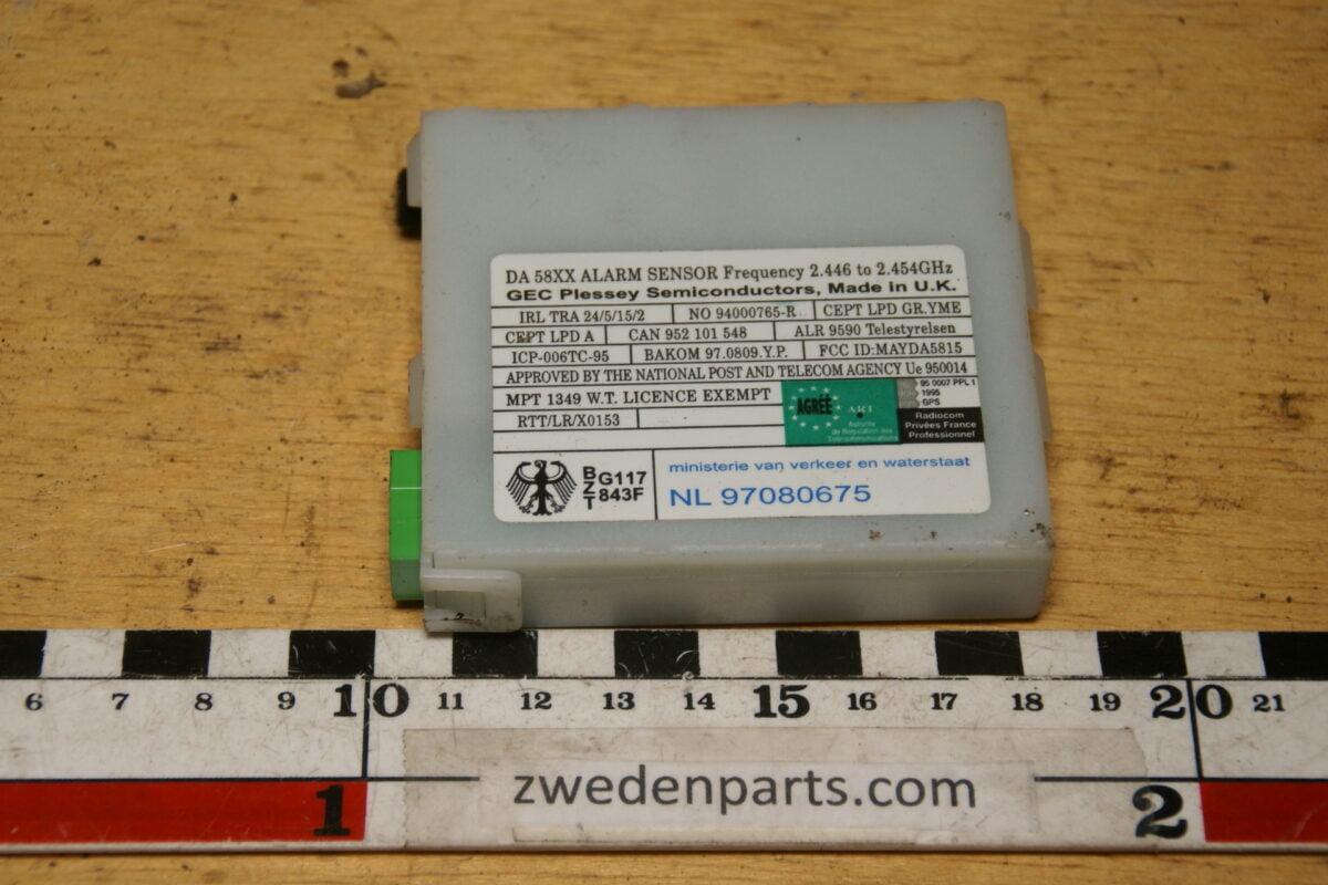 DSC02818 Volvo 60 70 80 alarmsensor 8622636