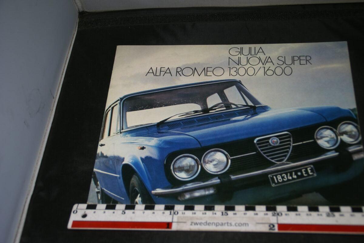 DSC04679 Brochure Alfa Romeo Guilia Nuova Super 1300 - 1600
