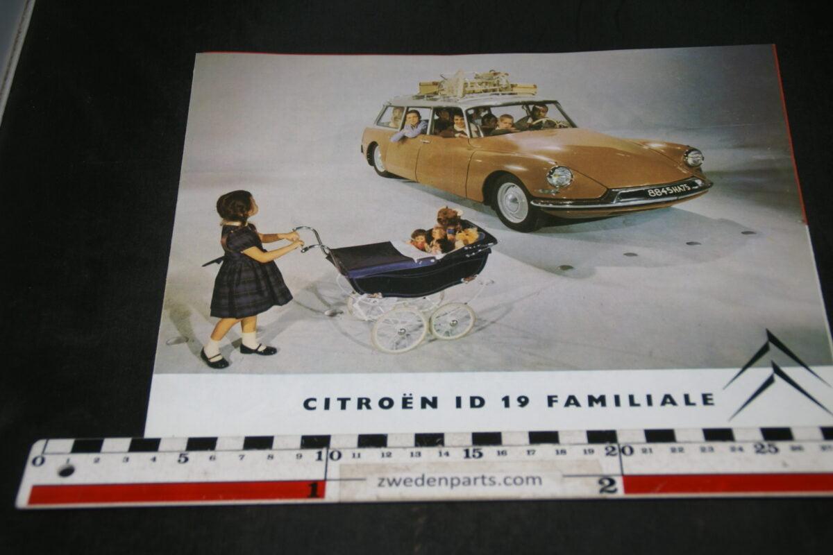 DSC04690 1960 brochure Citroen DS ID Familiale 10.059 Svenskt
