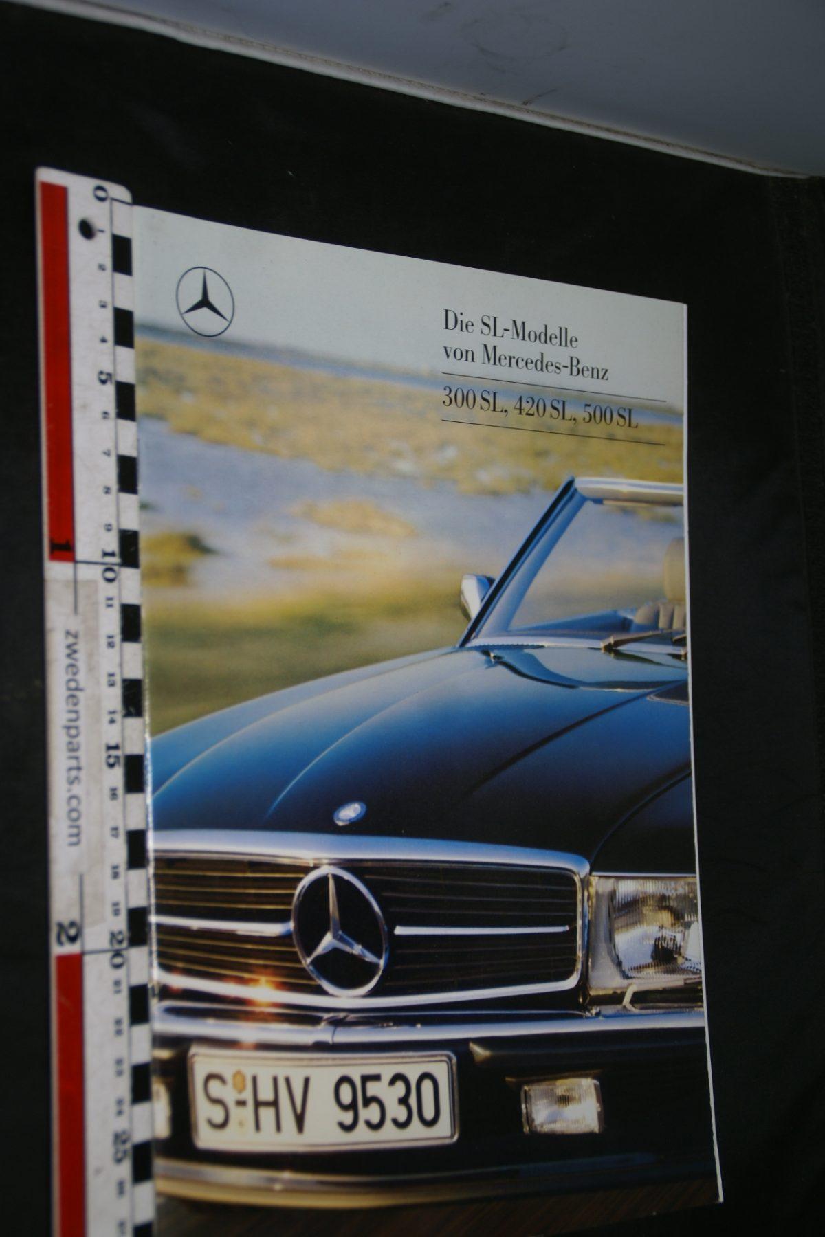 DSC04710 ca 1980 brochure Mercedes 300SL, 420SL, 500SL MKP6701 Deutsch