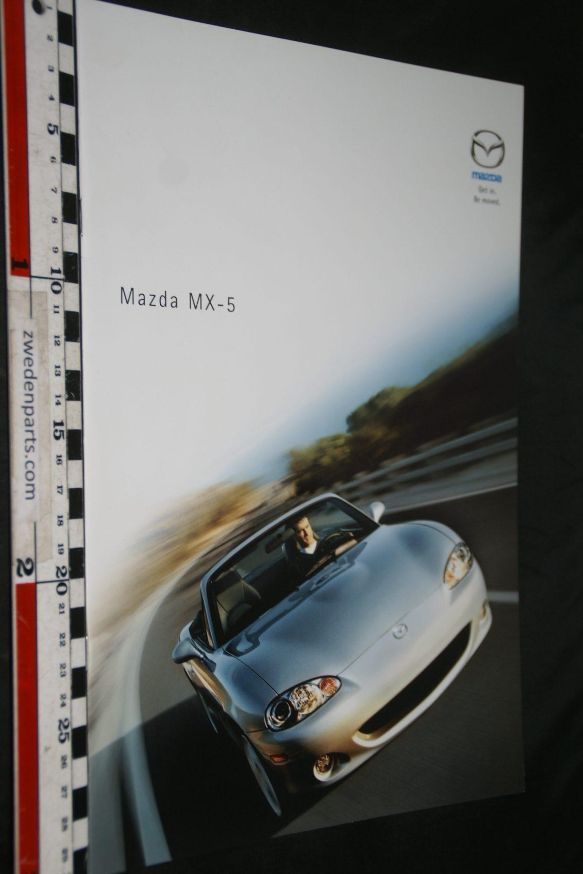DSC04890 Mazda MX-5 brochure