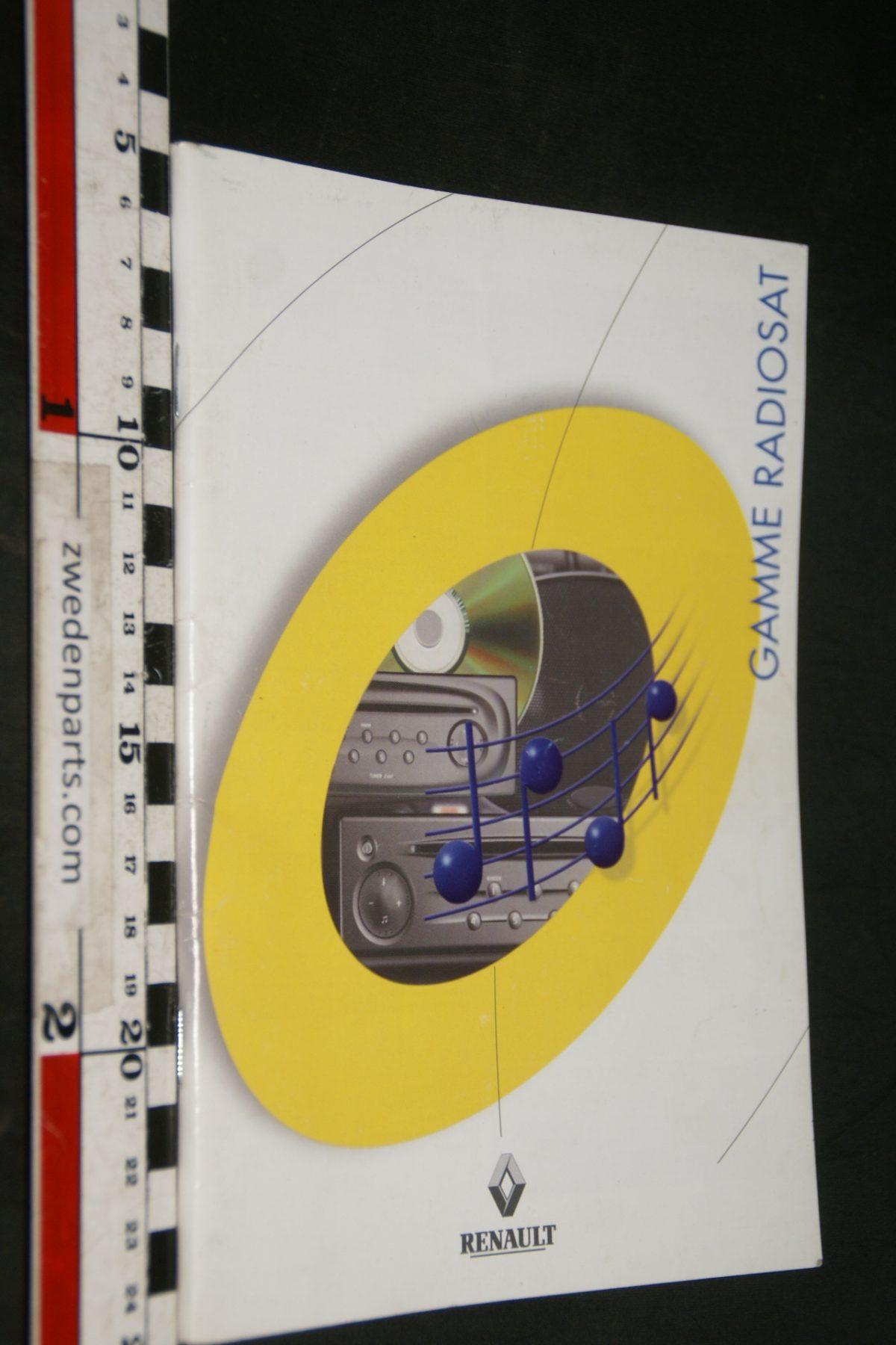 DSC04922 2001 Renault Radio brochure