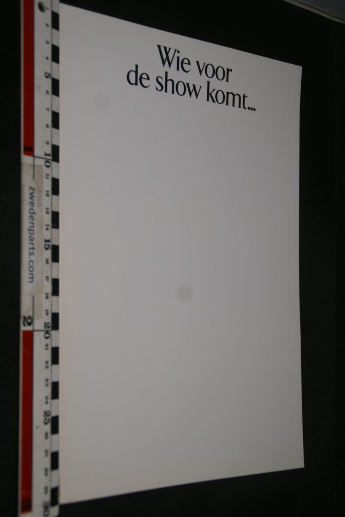 DSC04945 1992 Volvo brochure