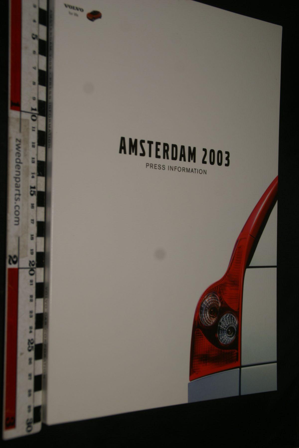 DSC04954 2003 Amsterdam Volvo S80 persmap met persberichten en CD