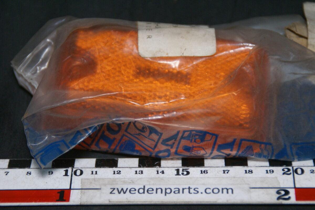 DSC05048 Volvo zijlichtglas 1800 140 164  NOS27  682773