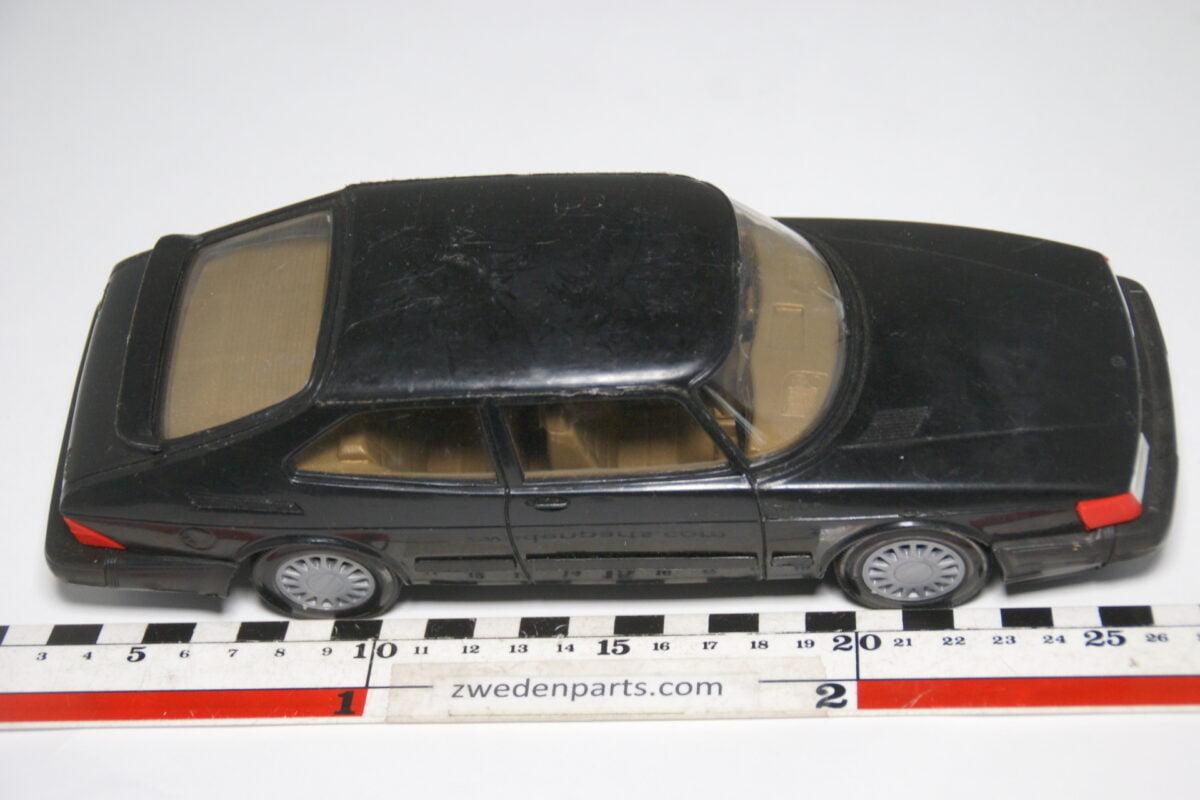 DSC04131 miniatuur SAAB 900 Turbo grijs ca. 1op18 Stahlberg, made in Finland