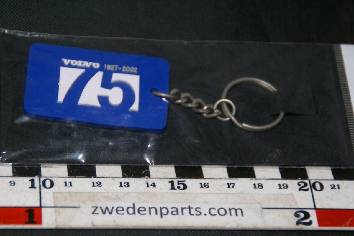 DSC04180 2002 sleutelhanger Volvo 75 jaar Mint