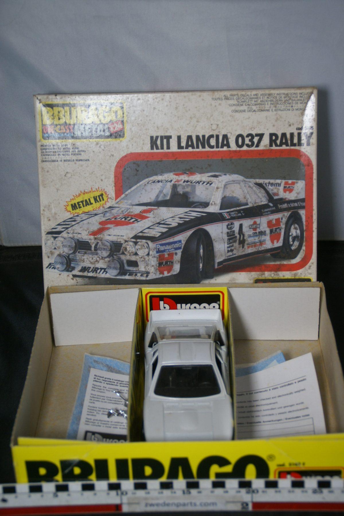 DSC05495 miniatuur Lancia 037 Rally metalen bouwdoos 1op24 Mint Bburago nr 5495