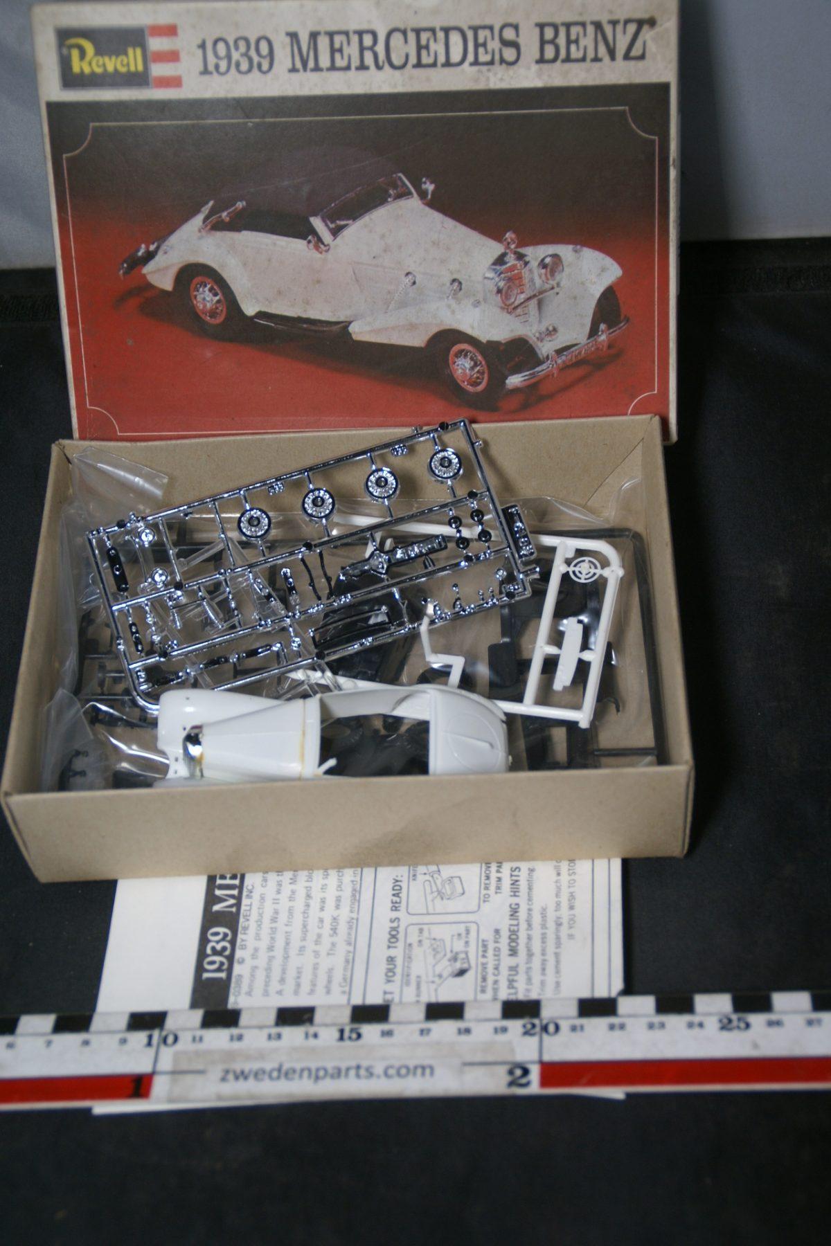DSC05503 miniatuur 1939 Mercedes Benz bouwdoos ca. 1op43 Mint Revell