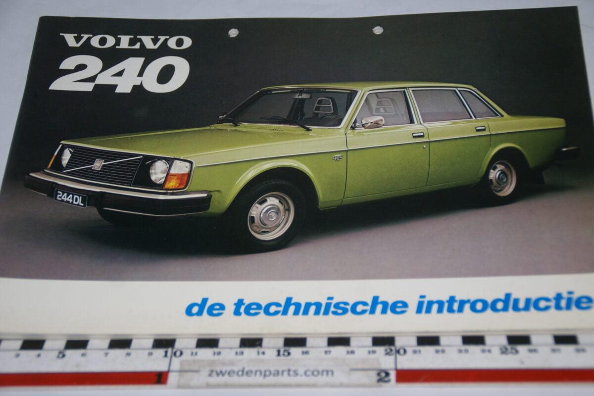 DSC05554 augustus 1974 boek Volvo 240 nr de technische introductie TP 88339-1
