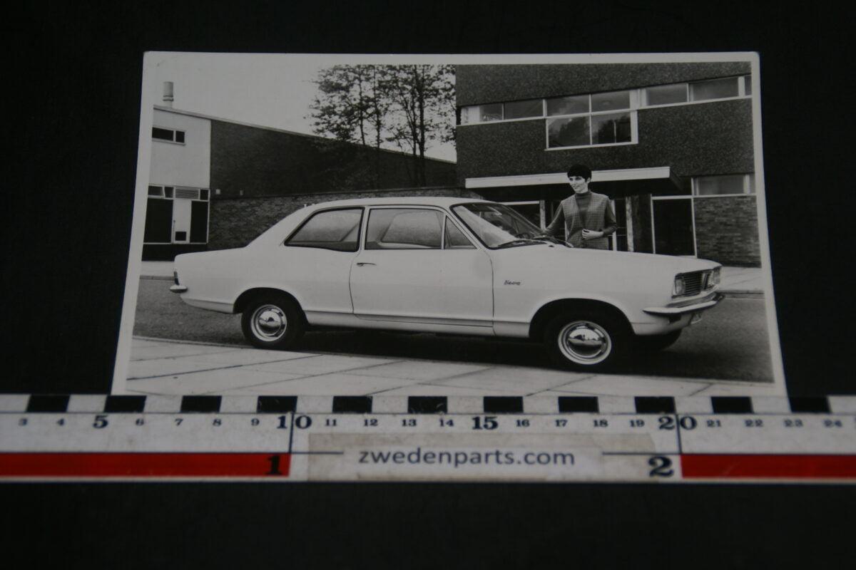 DSC06015 persfoto Vauxhall Victor