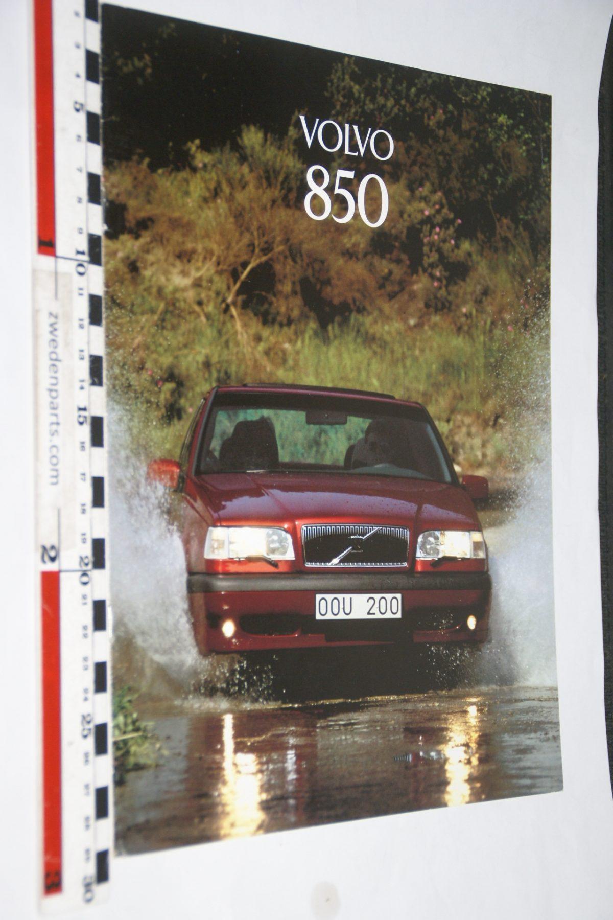 DSC06278 1995 brochure Volvo 850 nr MSPV 6551
