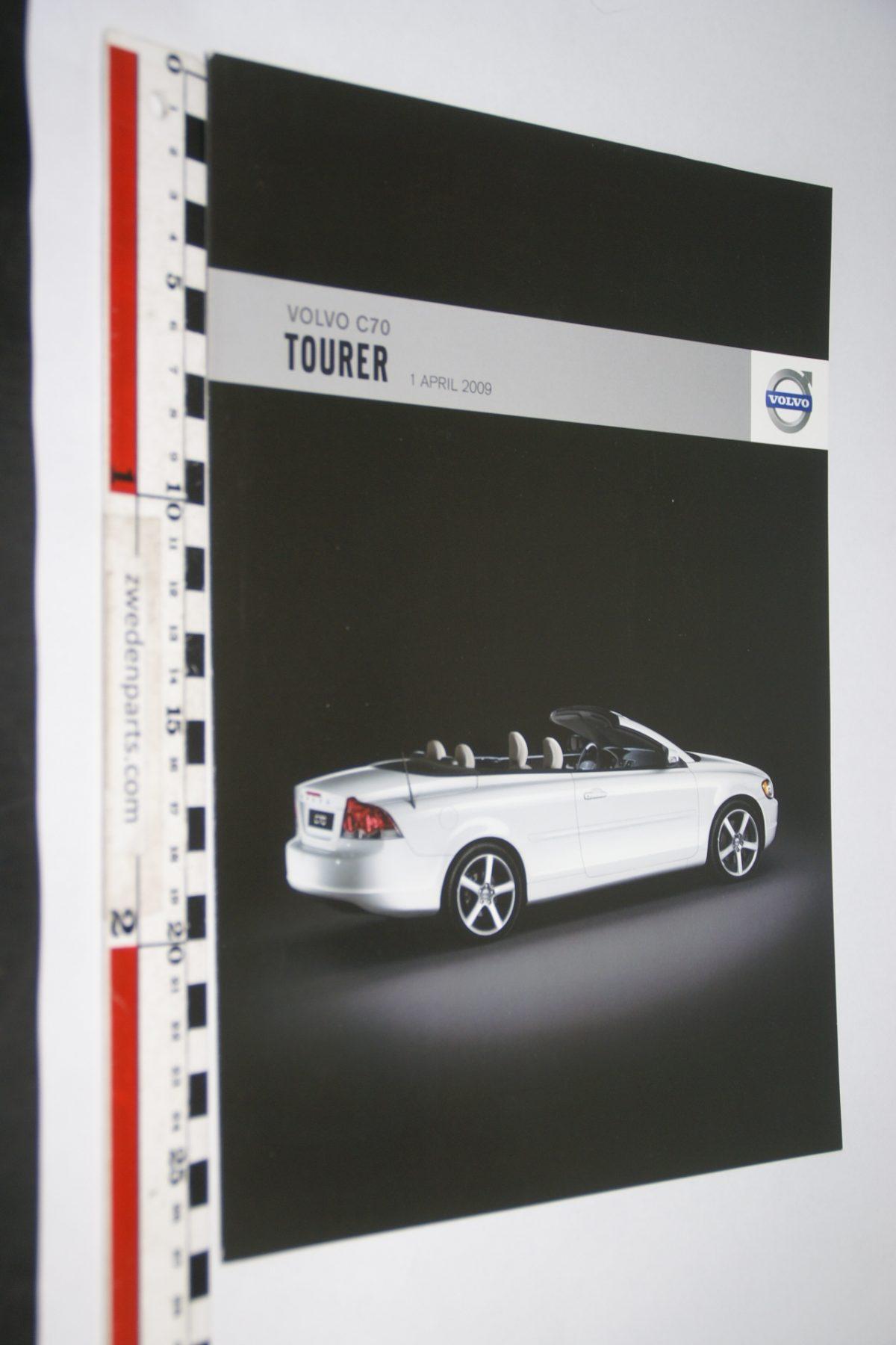 DSC06298 2009 april brochure Volvo C70 Tourer