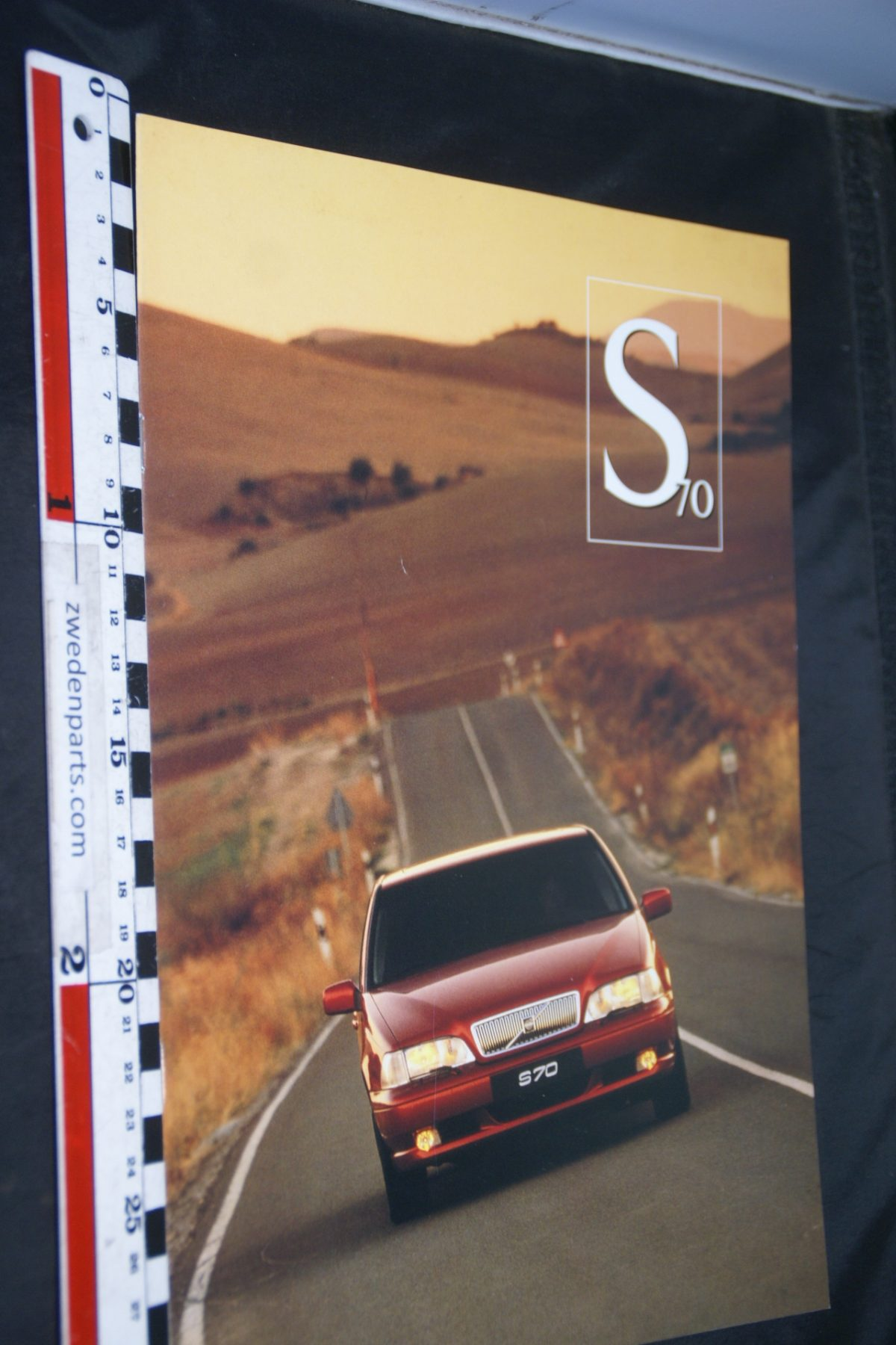 DSC06334 1996 brochure Volvo S70 nr 9612S70-1