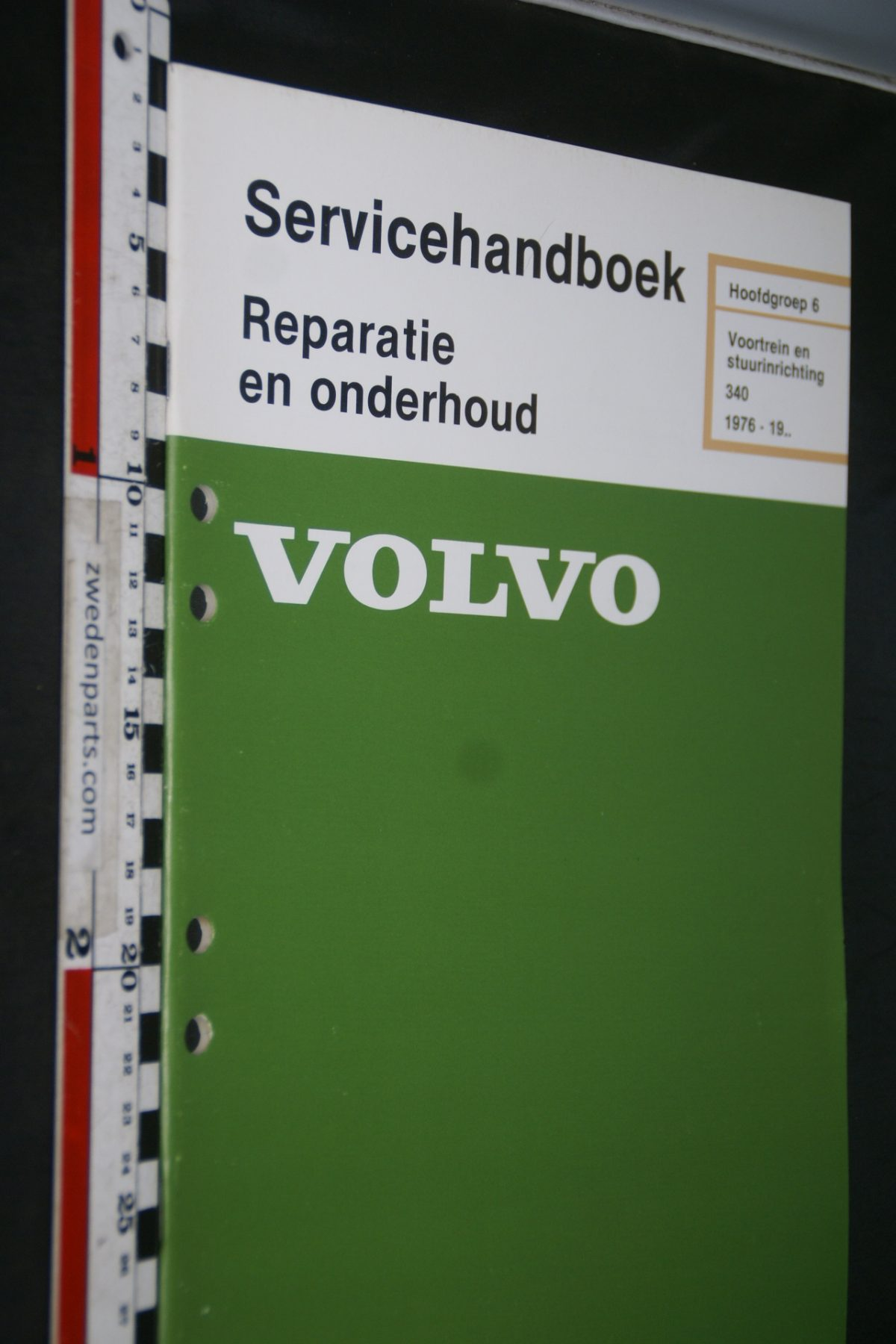 DSC06810 1981 origineel Volvo 343 servicehandboek 6 voortrein en stuurinrichting 1 van 800 TP 12165-2