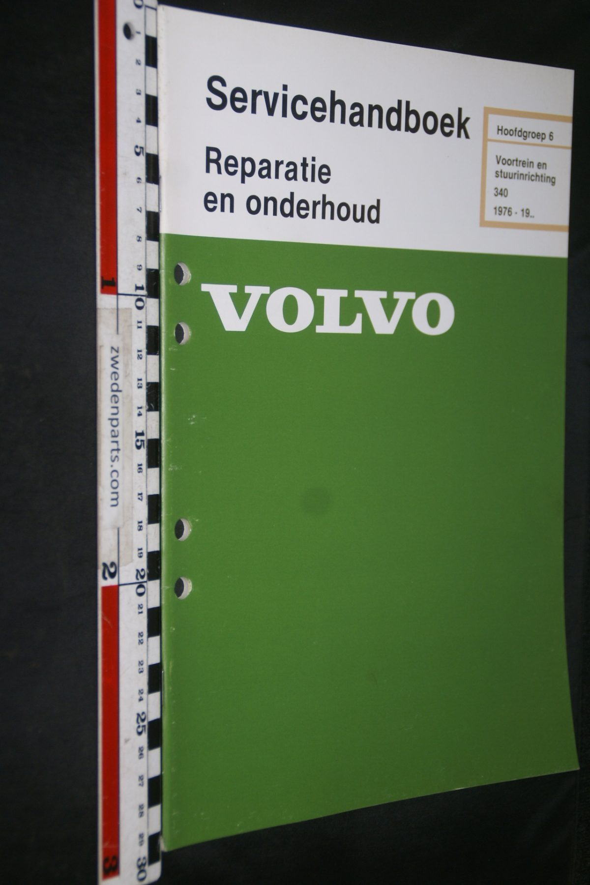 DSC06846 1981 origineel Volvo 340 servicehandboek 6 voortrein en stuurinrichting 1 van 800 TP 12165-2