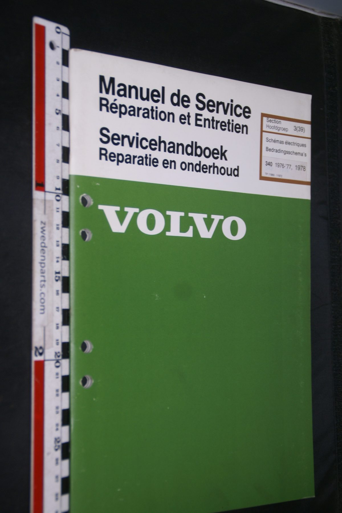 DSC06856 1977 origineel Volvo 343 servicehandboek 3(39) bedradingsschema 1 van 2300 TP 11969-1 Francais, Hollands