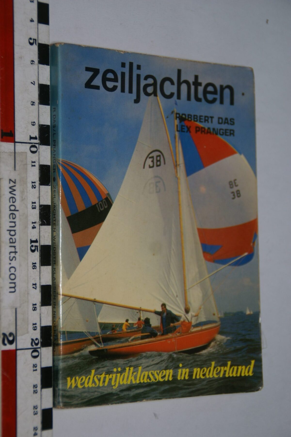 DSC06930 1978 boek zeiljachten van Lex Pranger  ISBN 9060137175