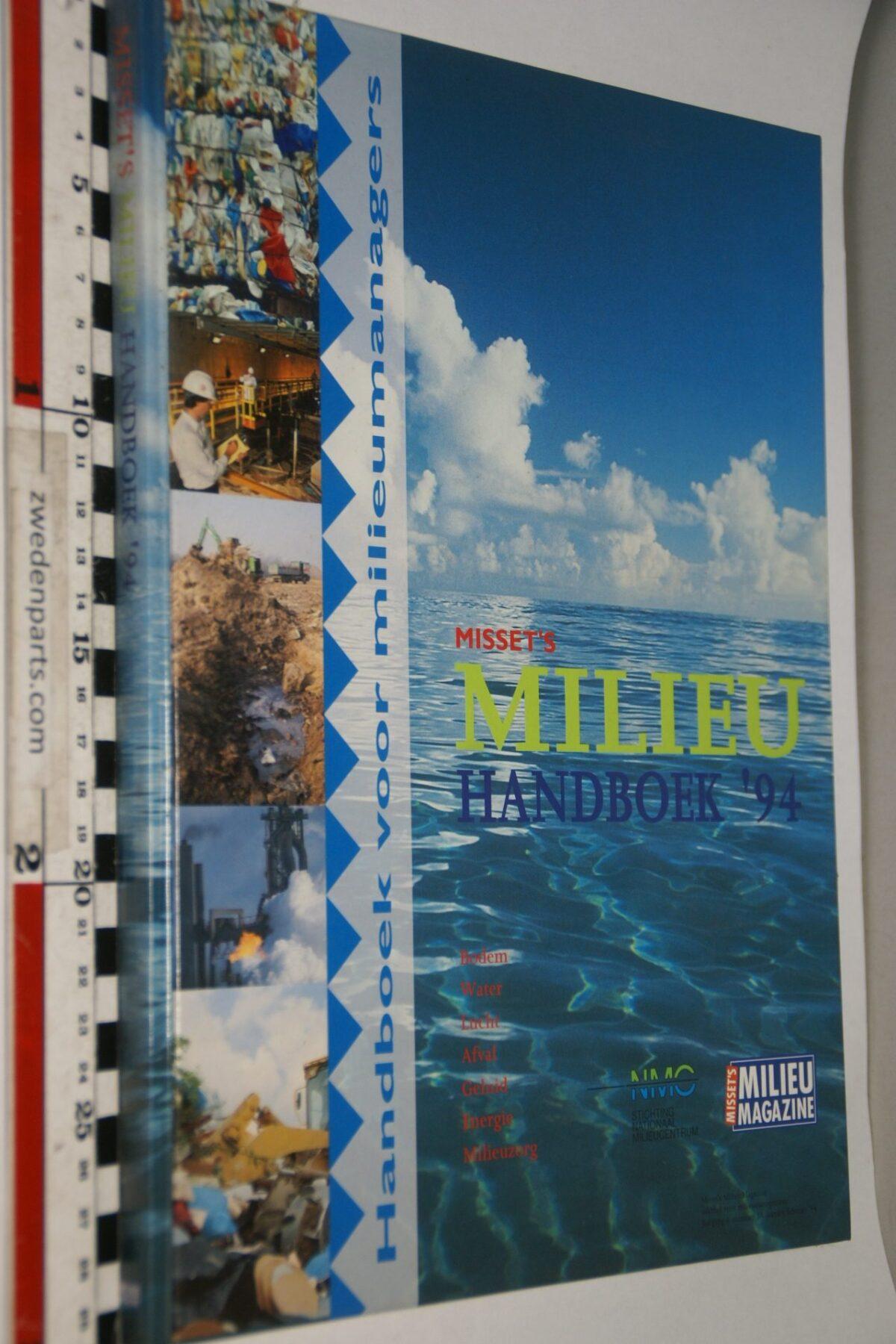 DSC06946 1994 boek Missets Mileuhandboek van Lex Pranger  ISBN 9080036056