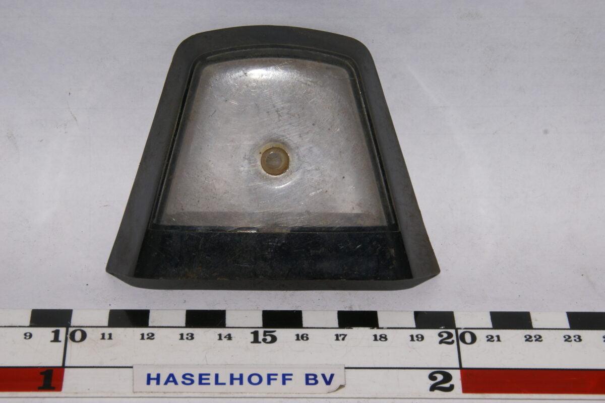 DSC02140 kentekenverlichting glaasje Volvo Amazon 120 123GT 130