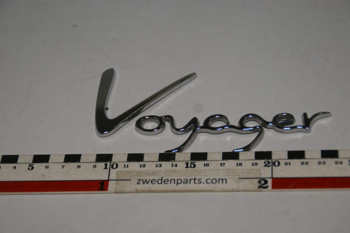 DSC07889 embleem Chrysler Voyager