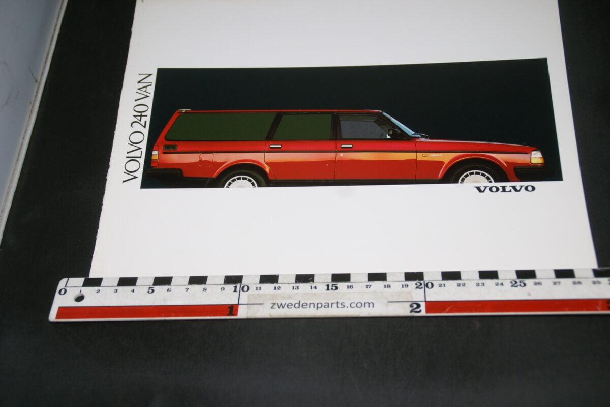 DSC07928 ca 1987 brochure Volvo 245 VAN