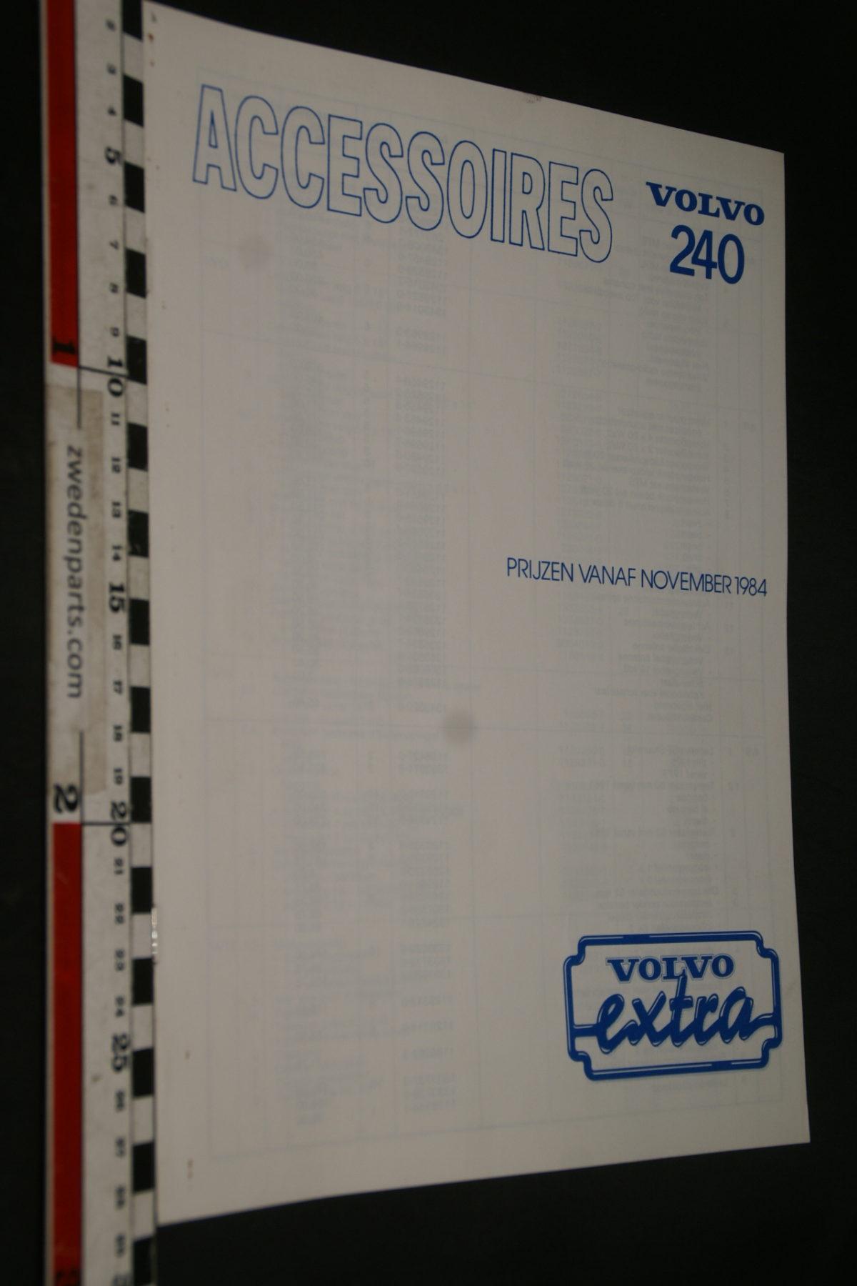 DSC07937 1984 brochure Volvo 240 accessoires prijzen