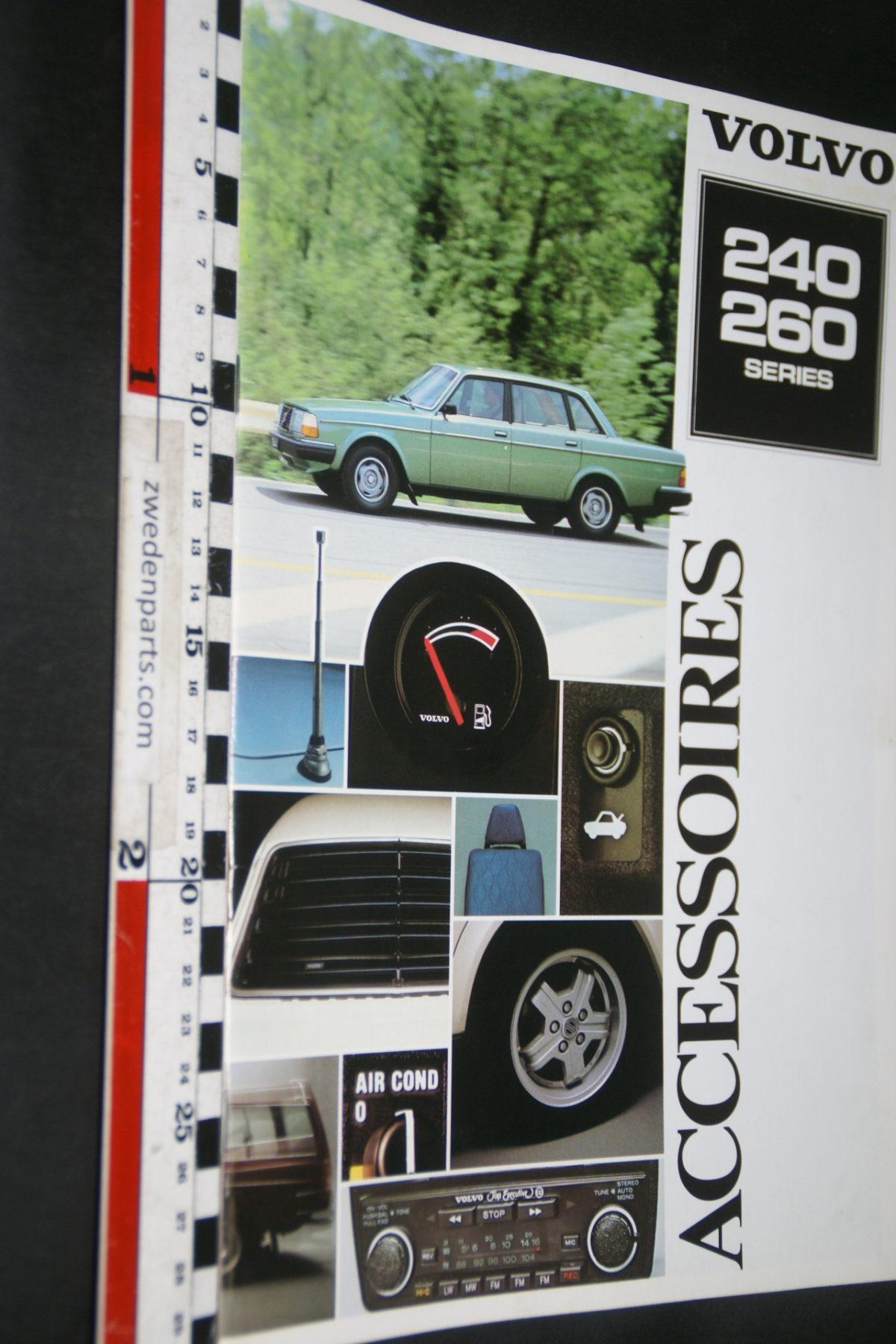 DSC07944 1980 brochure Volvo 240 260 accessoires nr RSP 36349