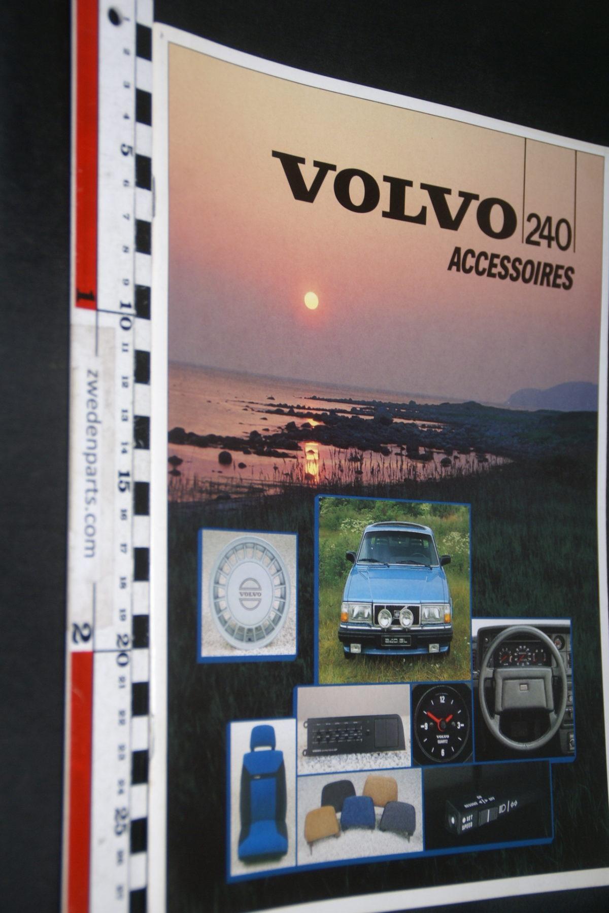DSC07948 1985 brochure Volvo 240 accessoires nr RSP 39720