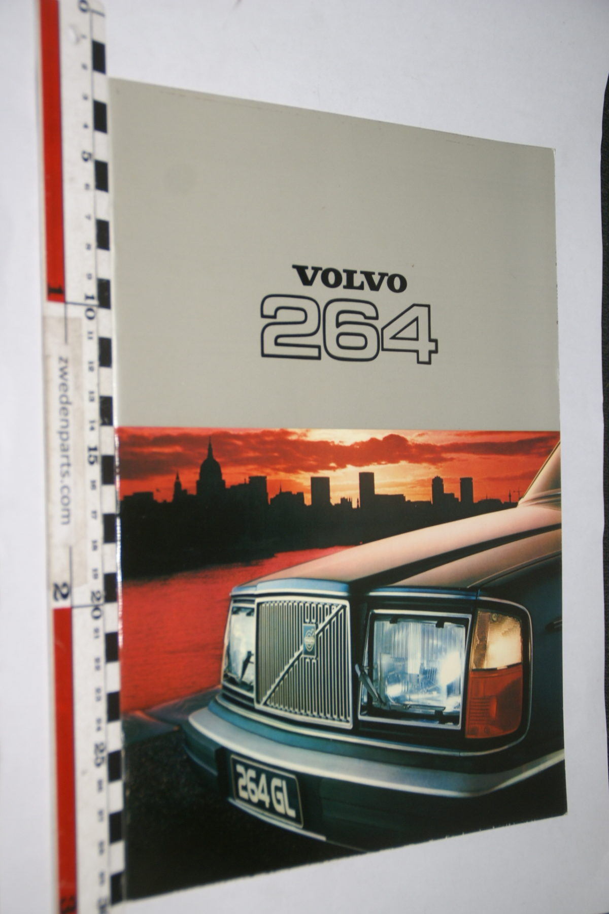 DSC07974 1977 brochure Volvo 260 nr RSPPV 4081