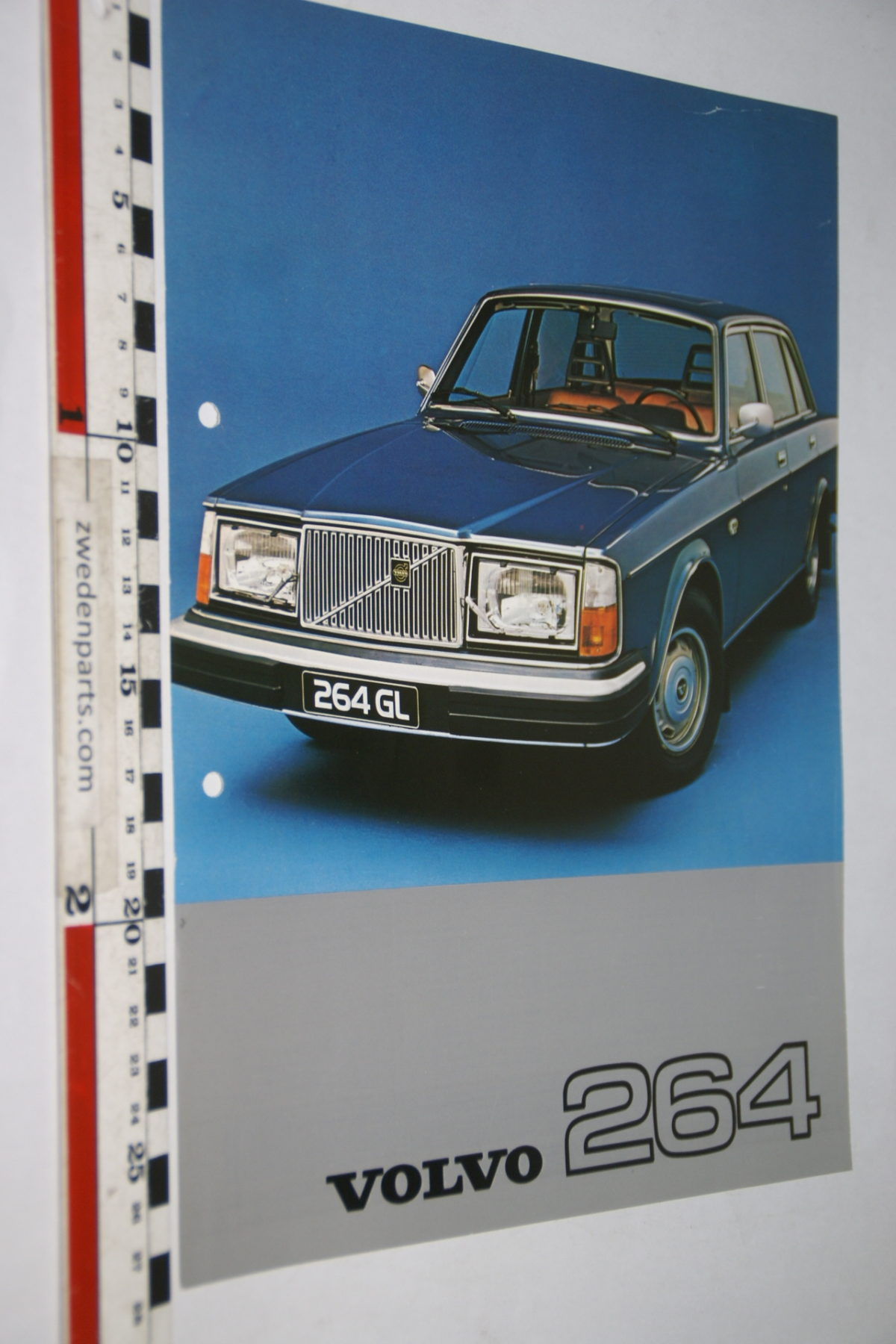 DSC07976 1977 brochure Volvo 264 nr RSPPV 4201