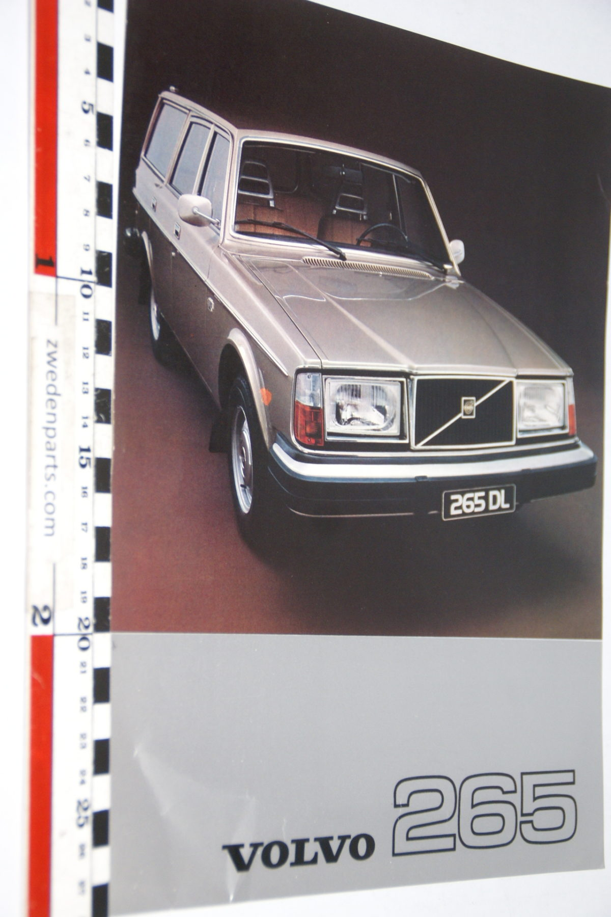 DSC07984 1976 brochure Volvo 265 nr RSPPV 2917
