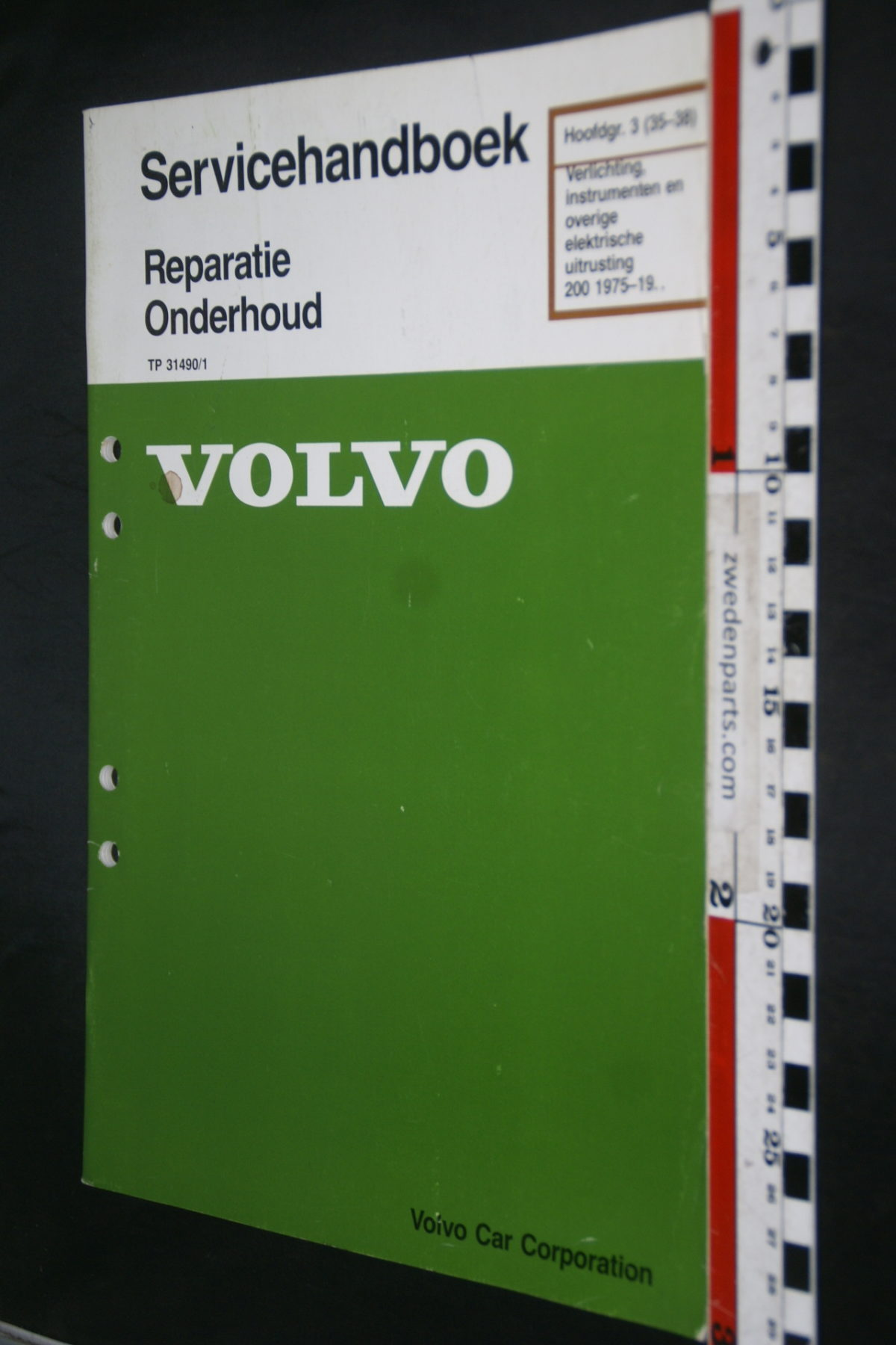 DSC08443 1990 origineel Volvo 200 servicehandboek  3 (35-38) verlichting en instrumenten 1 van 800 TP 31490-1