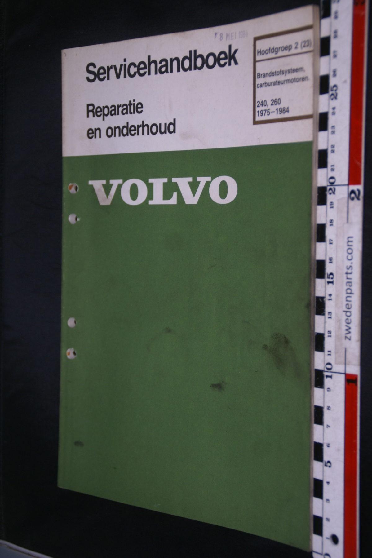 DSC08465 1984 origineel Volvo 240, 260 servicehandboek  2 (23) brandstofsysteem carburateurmotoren 1 van 800 TP 11744-2