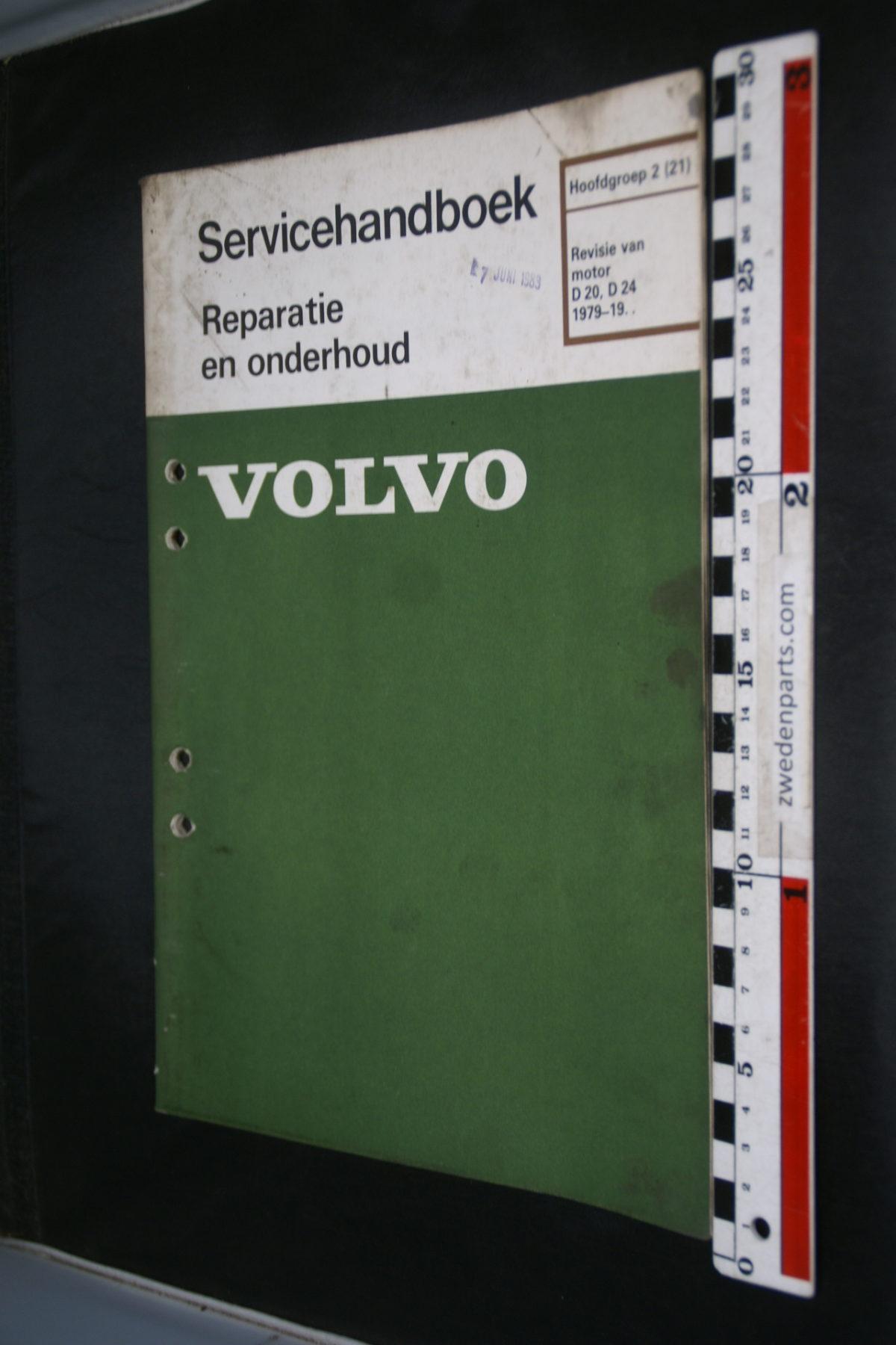 DSC08475 1983 origineel Volvo 240 servicehandboek  2 (21) motor D20, D24 1 van 800 TP 30228-2